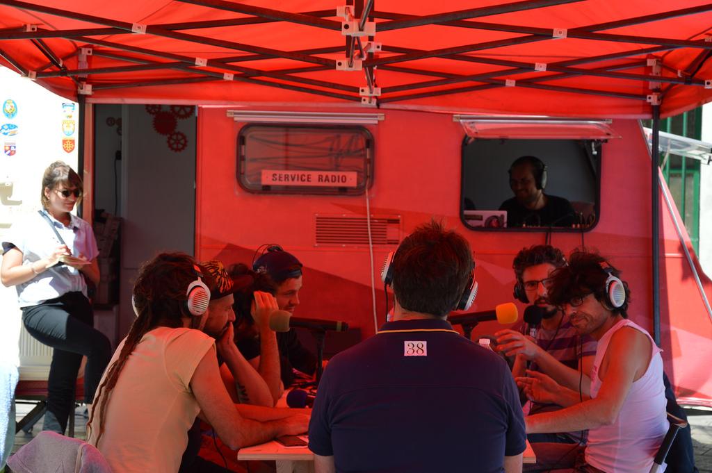 Hyperville : studio radio place Caffo